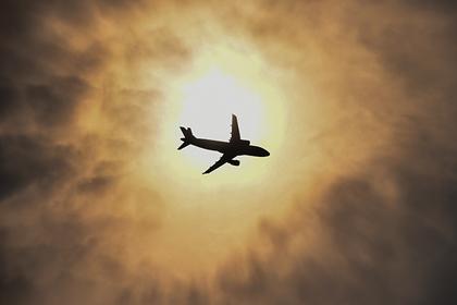 Российский самолет экстренно приземлился из-за нарушившей правила пассажирки