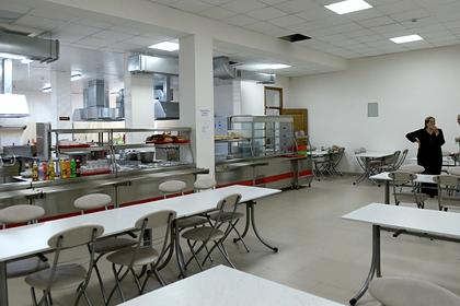 В кубанских школах проверят питание после массового отравления детей