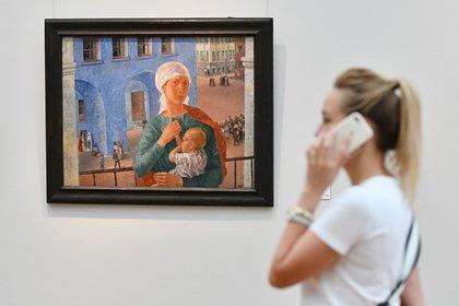 Россиянку выгнали из Третьяковской галереи за кормление грудью