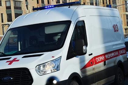 Очевидец раскрыл подробности гибели выпавшей из окна россиянки с двумя детьми