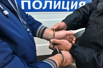 Обвиненного в вымогательстве журналиста «Росбалта» заочно арестовали