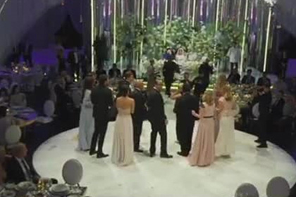 Появилось видео со свадьбы «Мисс Москва» и бывшего короля Малайзии