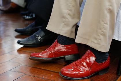 Туфли покойного деда лишили парня шанса получить работу