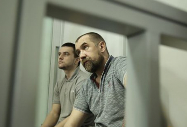 Сергей Торбин и еще один исполнитель покушения Никита Грабчукта в зале суда