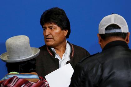 Сбежавшему из Боливии Моралесу затруднили путь