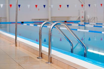 Российская воспитательница утонула в бассейне детского сада