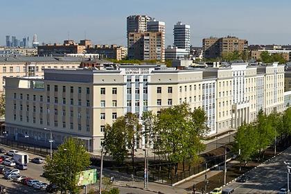 Десятки российских детей остались без пересадок из-за неодобренного препарата