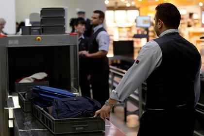 Привычка пассажиров брать в самолет ручную кладь оказалась опасной