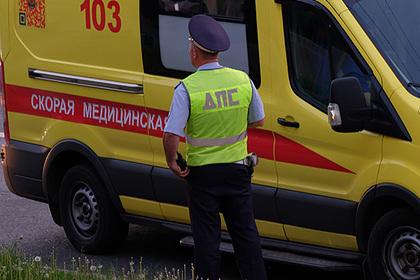 Российские полицейские со стрельбой отбили машину скорой у похитителей
