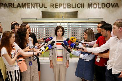 Глава отправленного в отставку правительства Молдавии собралась на баррикады