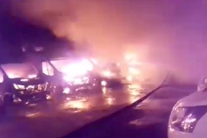 Неизвестные сожгли более десятка фургонов контроля скорости под Москвой