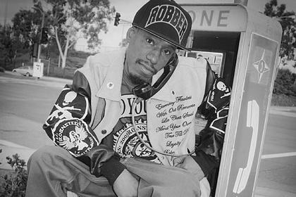 Рэпер Bad Azz умер в тюрьме в 43 года