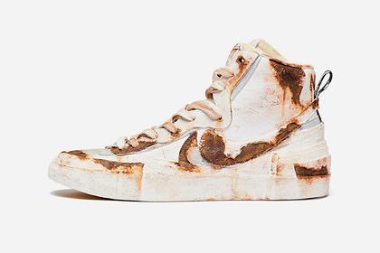 Популярный бренд выставил на продажу «ржавые» кроссовки за тысячу долларов