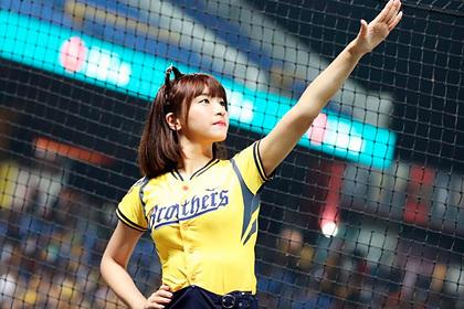 Танцовщица очаровала спортивных фанатов и нажила армию поклонников