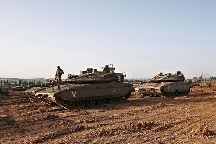 Колонны израильских танков на пути к сектору Газа попали на видео
