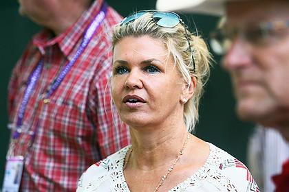 Жену Шумахера обвинили в сокрытии правды