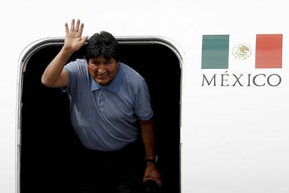 Жизнь беглого президента Боливии оценили в 50 тысяч долларов