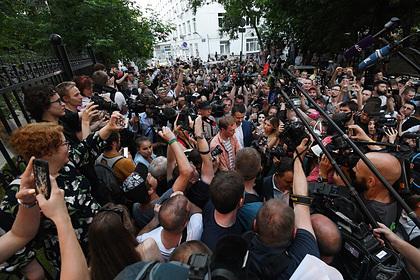 Журналистам зарубежных СМИ пригрозили статусом иностранного агента в России