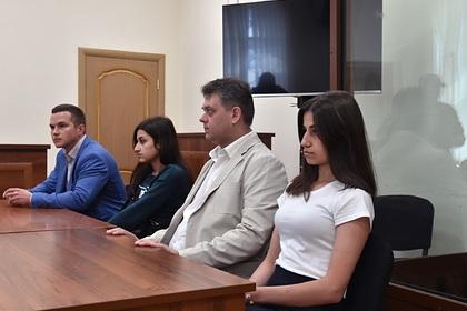Подруг сестер Хачатурян заподозрили в подстрекательстве к убийству ими отца