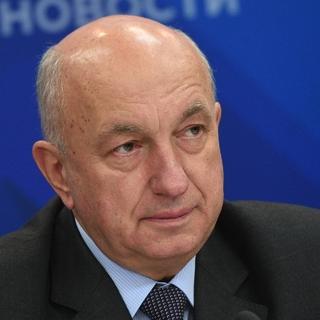 Александр Безверхний