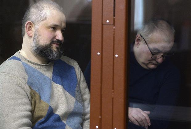 Дмитрий Лысаковский (слева) и Петр Чихун (справа) на оглашении приговора