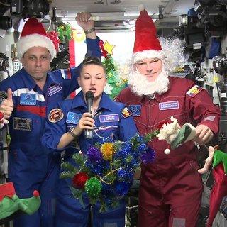 Астронавты встречают Новый год на борту МКС