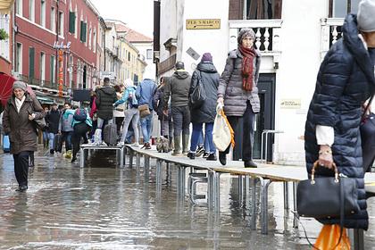 Рекордный потоп в Венеции не остановил наплыв россиян