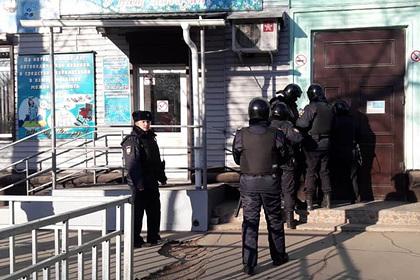 Охранника колледжа в Благовещенске задержали после стрельбы