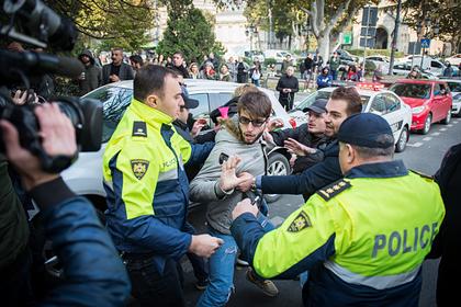 Тбилиси охватили акции протеста после попытки изменить Конституцию
