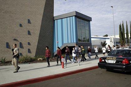 Стрелок в калифорнийской школе устроил бойню в свой день рождения