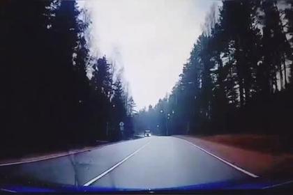 Российский офицер протаранил легковушку и попал на видео