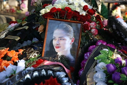 Мать убитой историком-расчленителем аспирантки попала в реанимацию после похорон