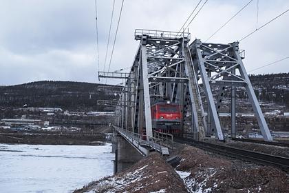 Железнодорожный мост через Лену