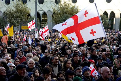 Власти Грузии объявили новые протесты незаконными