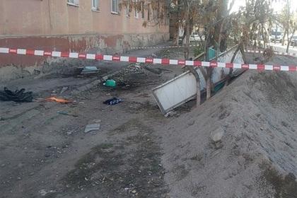 Пьяный россиянин устроил драку на балконе, упал вместе с ним и умер