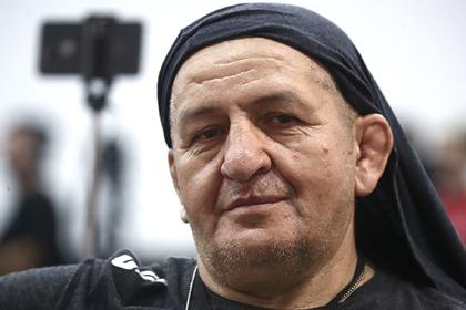 Отец Нурмагомедова обзаведется второй женой