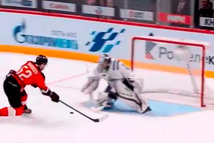 Еще один российский хоккеист забросил шайбу без броска