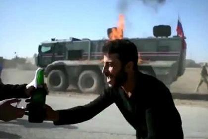 Минобороны отреагировало на поджог российского патруля в Сирии
