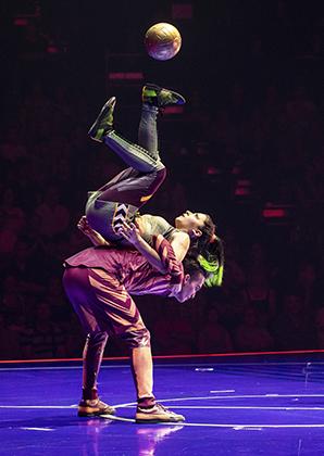 Месси посвятили цирковое шоу