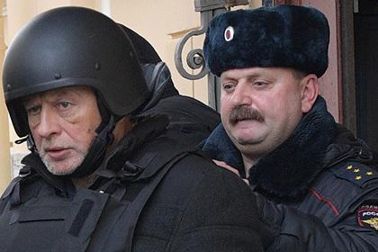 Историка Соколова отправят к психиатрам после попытки ранить себя кортиком