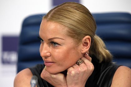 Волочкова похвасталась богатыми ухажерами и посоветовала их женам шпагаты