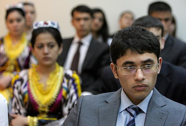 Студенты в Узбекистане