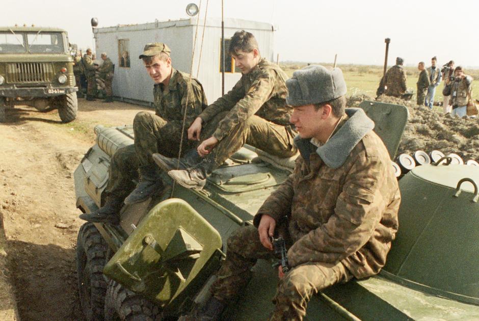 Пост российских войск на границе Дагестана и Чечни, 1992 год