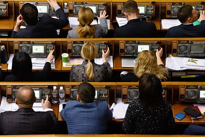 Украинским депутатам предложили регулярно проверяться на детекторе лжи