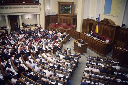 Зеленский собрался менять депутатов Рады