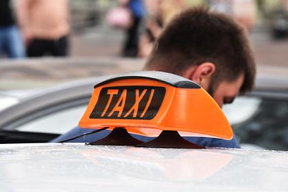Таксист похитил иностранцев из-за отказа заплатить за поездку 10 тысяч рублей