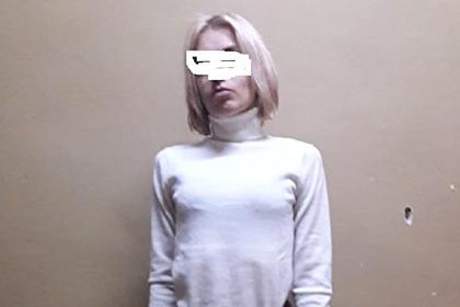 Тюремщики заманили уклонившуюся от уборки могил россиянку на фотосессию