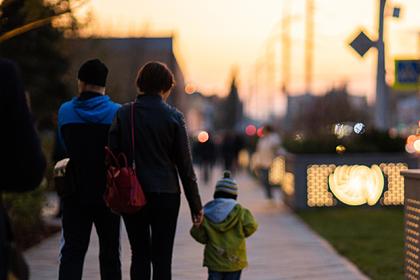 Российским семьям пообещали дополнительные выплаты на детей