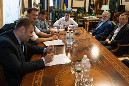 Зеленский упрекнул Коломойского за предложение дружить с Россией