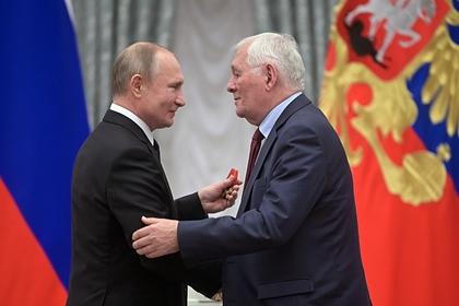 Путину пожаловались на «опущенных ниже плинтуса врачей»